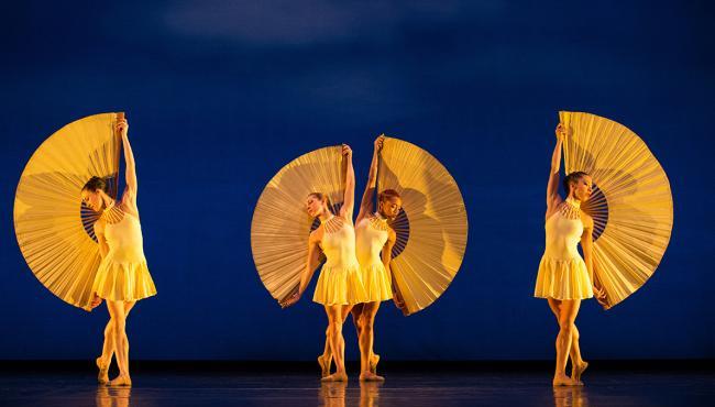 Momix - Un spectacle unique au Théâtre des Champs Elysées
